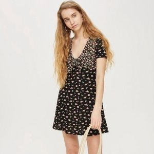 TOPSHOP Front Tie Floral Dress Size 2